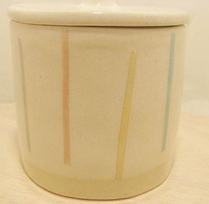 Runde Keramik Dose mit Streifen